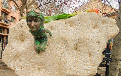 Hanna Szenes mini-statue in Budapest!